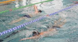 Zawody pływackie w