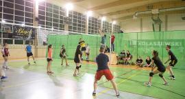Nocny turniej siatkówki