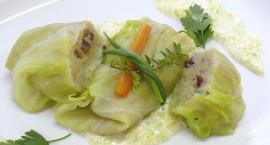 Gołąbki ziemniaczane z sosem serowo-porowym