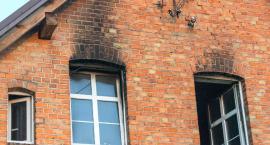 Wypalona szkoła w Łąkiem do remontu