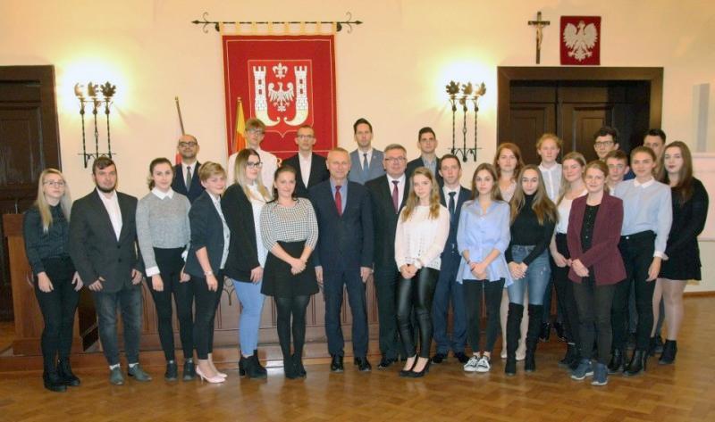 Samorząd, Młodzieżowa Miejska Inowrocławia kadencji sesja inauguracyjna - zdjęcie, fotografia