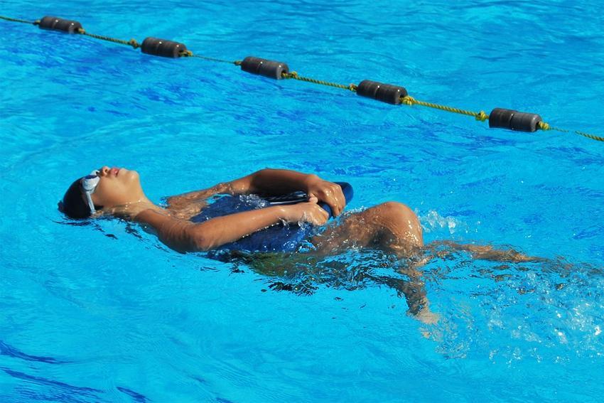 Pływanie, Obiekty listopada - zdjęcie, fotografia