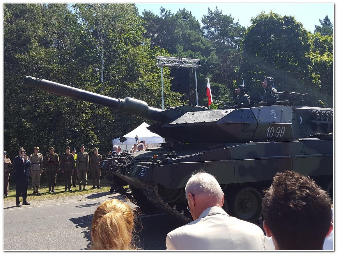 Edukacja, Obchody święta wojska Myślęcinku - zdjęcie, fotografia