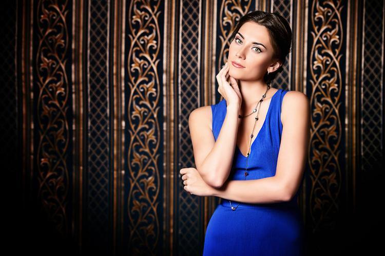 lifestyle, Kolorowe sukienki studniówkę - zdjęcie, fotografia