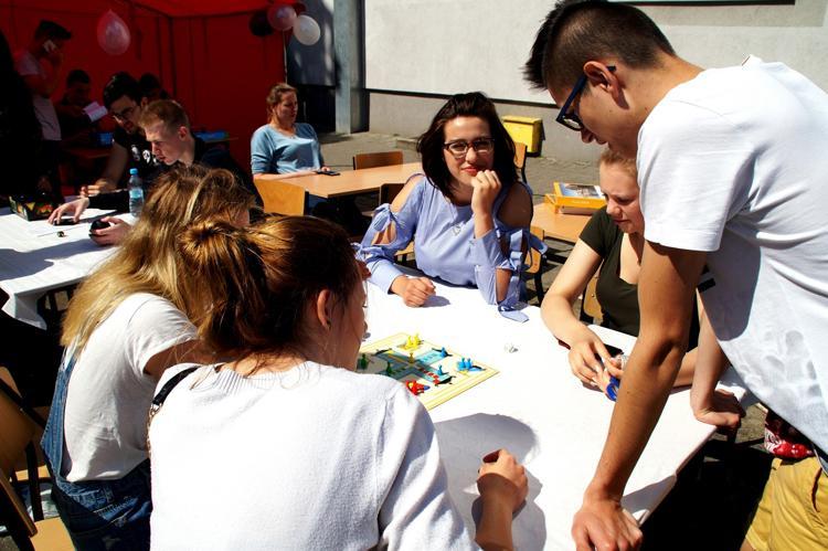 Edukacja, budowaniu przyszłości Budowlanką - zdjęcie, fotografia
