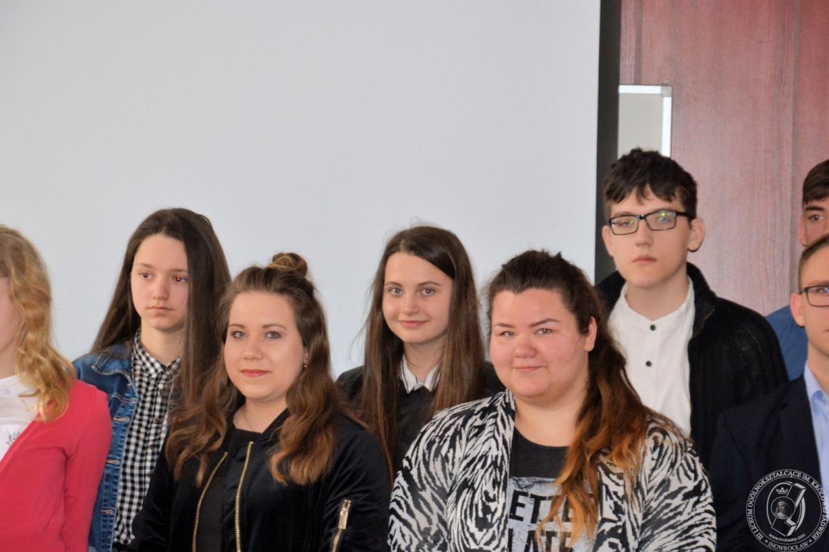 Edukacja, Uczennice Królówki szlaku historii - zdjęcie, fotografia