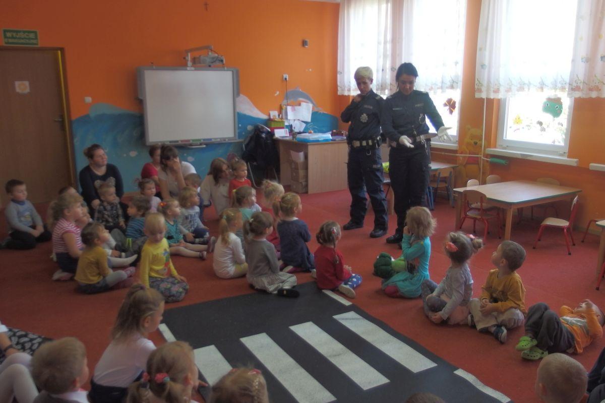 Komunikaty Policja, Zajęcia przedszkolakami - zdjęcie, fotografia