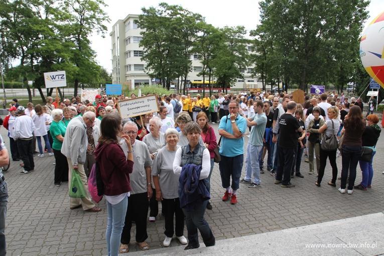 Społeczeństwo, sobotę utrudnienia ruchu - zdjęcie, fotografia