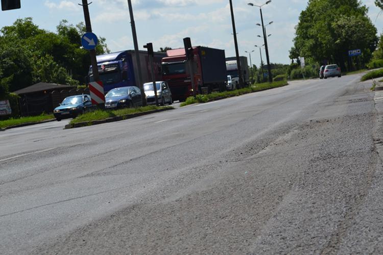 Społeczeństwo, Usuną koleiny Staszica - zdjęcie, fotografia