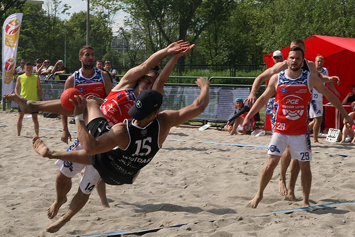 Piłka ręczna, Piłkarze ręczni zakończyli rywalizację piasku - zdjęcie, fotografia
