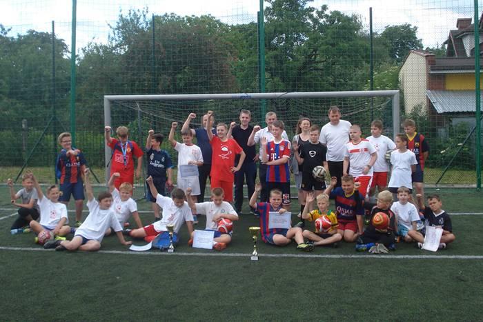 sport, Zagrali piłkę puchar posła - zdjęcie, fotografia