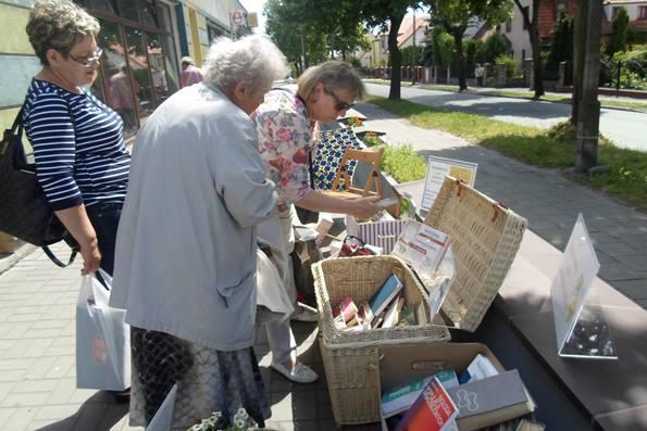 Wiadomości, Akcja bookcrossingowa Inowrocławiu - zdjęcie, fotografia