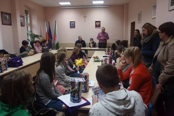 WOSP, WOŚP Policja instruuje szkoli wolontariuszy - zdjęcie, fotografia
