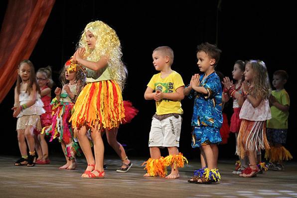 Wiadomości, Światowe gwiazdy wystąpiły Teatrze Miejskim - zdjęcie, fotografia