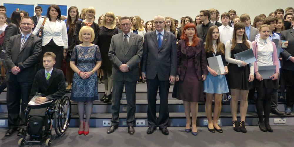 edukacja, Laureaci nagrodzeni przez Kuratora Wicewojewodę - zdjęcie, fotografia