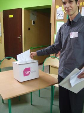 wybory, Wybieramy posłów senatora (pierwsze wyniki) - zdjęcie, fotografia