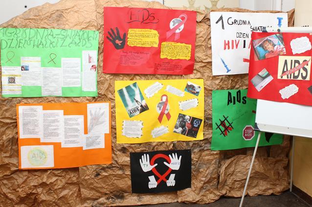 edukacja, Światowy Dzień Walki Gimnazjum - zdjęcie, fotografia