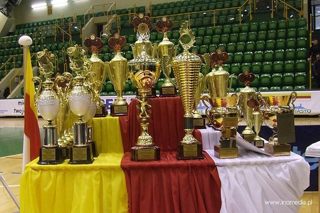sport, Księża rywalizowali stole tenisowym - zdjęcie, fotografia