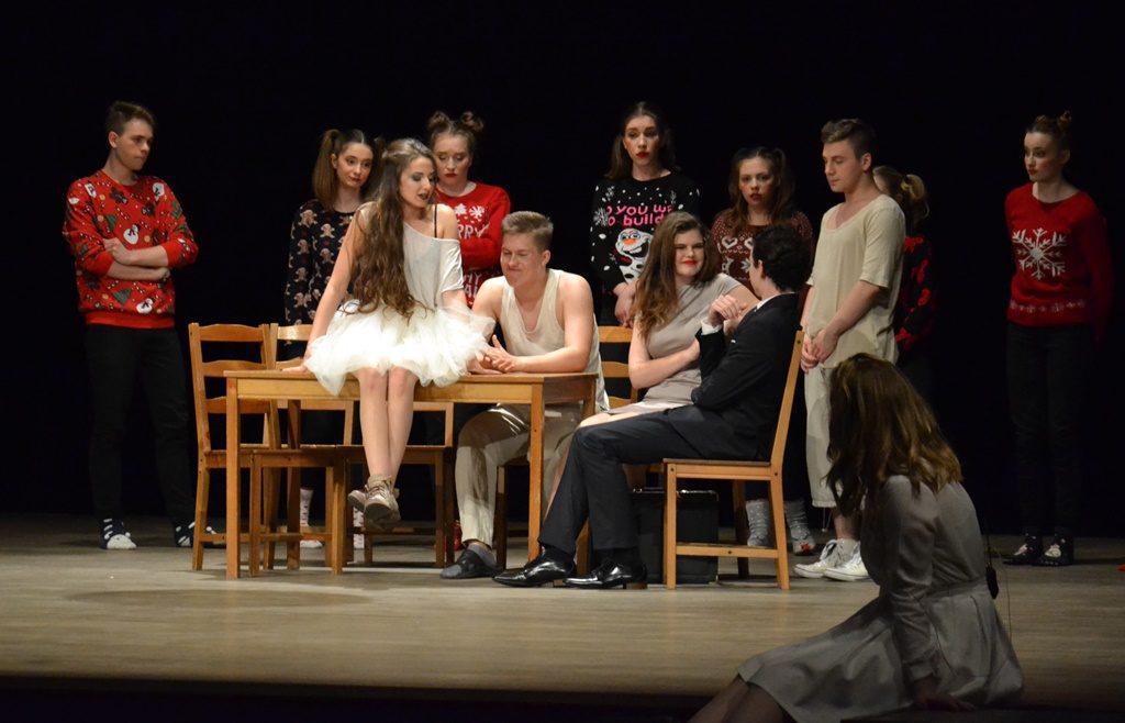 Teatr, ponownie wystąpi KATARze - zdjęcie, fotografia