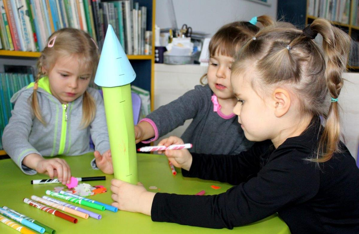 """Kultura, """"Dzień Kredki"""" Filii Dzieci - zdjęcie, fotografia"""