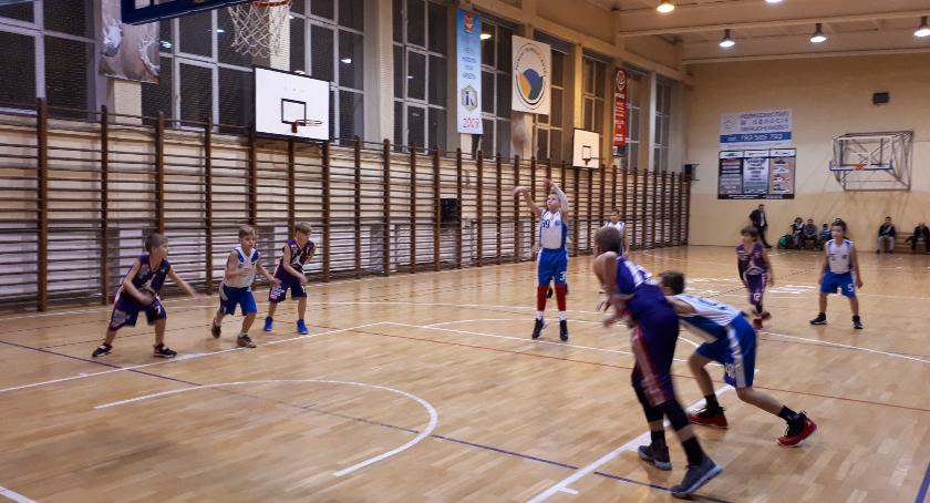 Koszykówka, Koszykarze Kaspra młodzieżowych parkietach - zdjęcie, fotografia