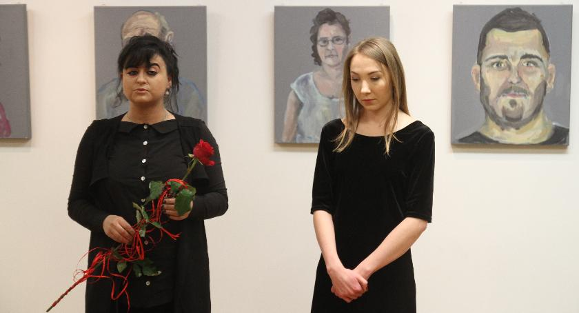 Wystawy, Otwarto wystawę Marty Solińskiej Twarze - zdjęcie, fotografia