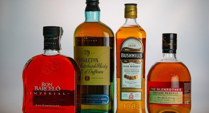 lifestyle, powinno whisky colą - zdjęcie, fotografia