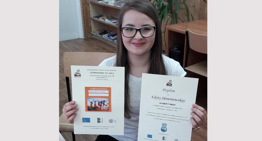 ponadgimnazjalne, Uczennica Budowlanki wygrała bombkowy konkurs - zdjęcie, fotografia