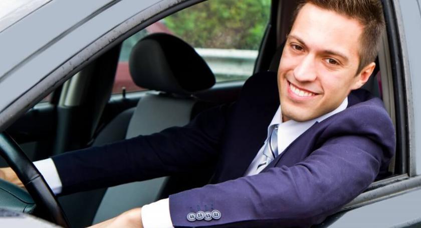 Komunikaty, Samochód dżentelmena - zdjęcie, fotografia