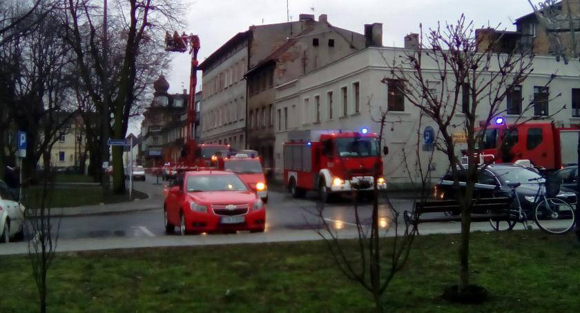 Straż Pożarna - interwencje , Zawaliła ściana kamienicy centrum - zdjęcie, fotografia