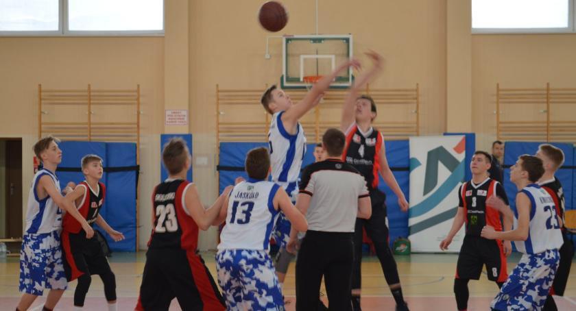 Koszykówka, Puchar Credit Agricole pojechałdo Ostrowa Wielkopolskiego - zdjęcie, fotografia