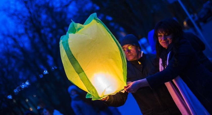 Festyny, Lampiony niedzielę wzbiją niebo - zdjęcie, fotografia