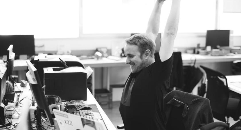 zdrowie, stworzyć ergonomiczne miejsce pracy - zdjęcie, fotografia