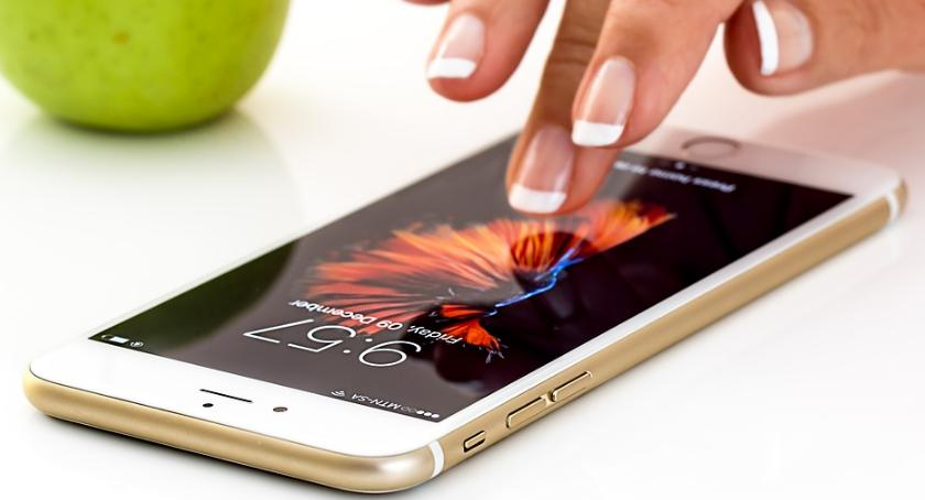 """lifestyle, Ubezpieczenie """"mobilne"""" sprytny sposób zabezpieczenie smartfona - zdjęcie, fotografia"""