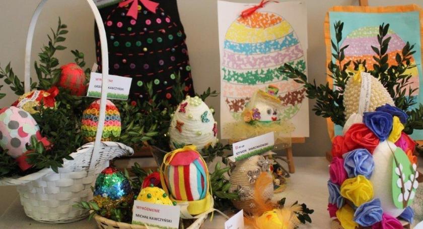 Wystawy, Niepowtarzalne jaja świąteczne Bibliotece - zdjęcie, fotografia