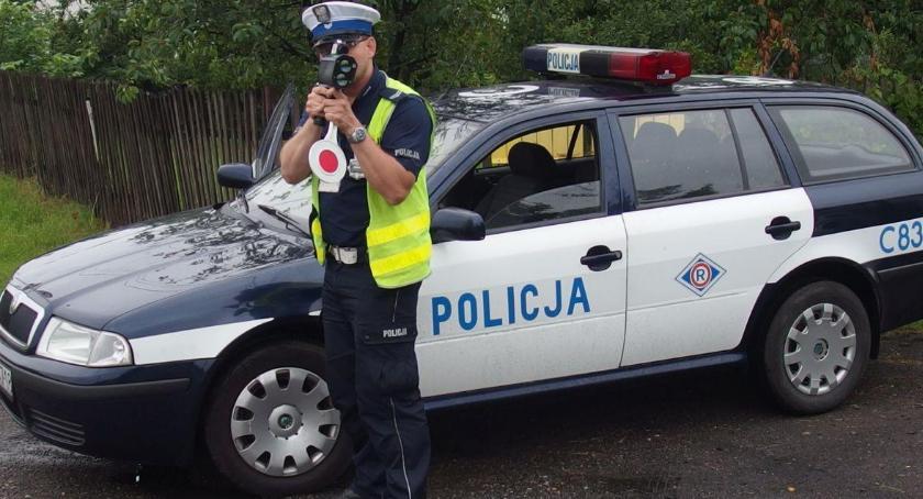 Komunikaty Policja, Bezpieczne Święta Wielkanocne drogach - zdjęcie, fotografia