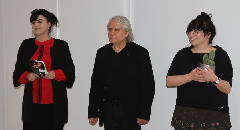 Wystawy, Otwarto wystawę Andrzeja Szarka - zdjęcie, fotografia