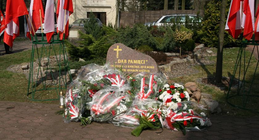 Historia, rocznica Zbrodni Katyńskiej rocznica katastrofy smoleńskiej - zdjęcie, fotografia