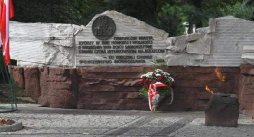 Samorząd, Wroński Przenieście pomnik pieniądze ekwiwalentu - zdjęcie, fotografia
