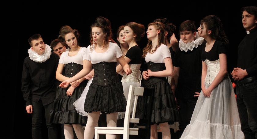 """Teatr, """"Świecie czarno biały"""" deskach teatru - zdjęcie, fotografia"""