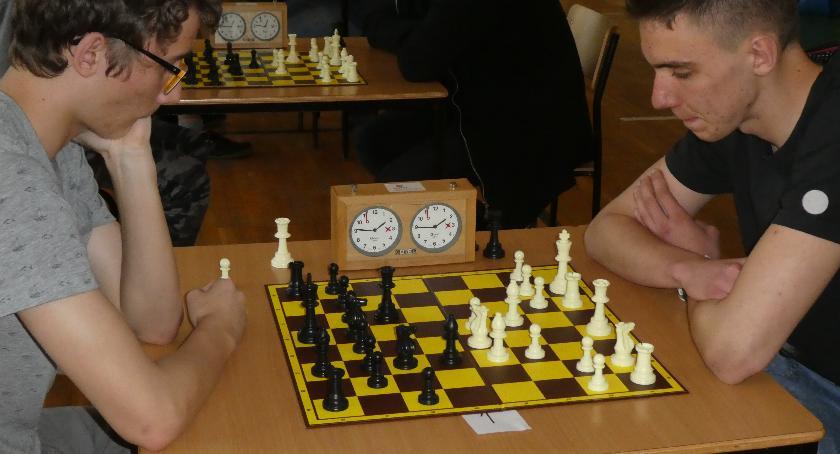 Szachy, Dominik Czubachowski najlepszym szachistą powiatu - zdjęcie, fotografia