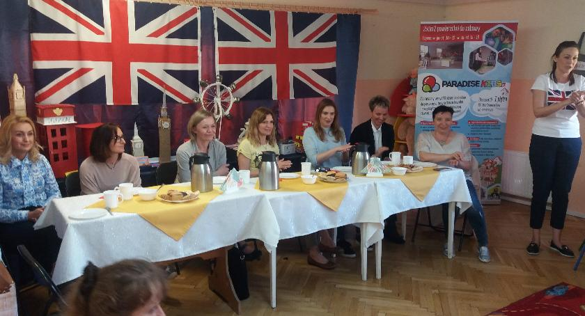 """przedszkola, """"British Day"""" """"Królową brytyjską"""" - zdjęcie, fotografia"""