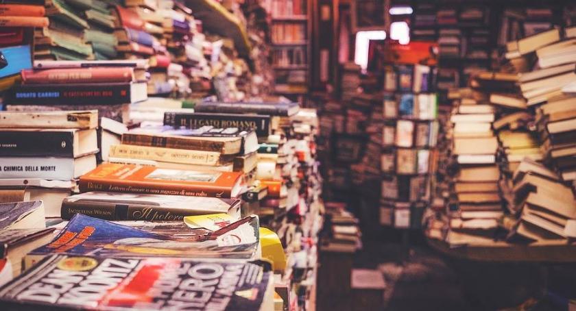 Książki, MAJÓWKĘ konkurs książkowy! - zdjęcie, fotografia