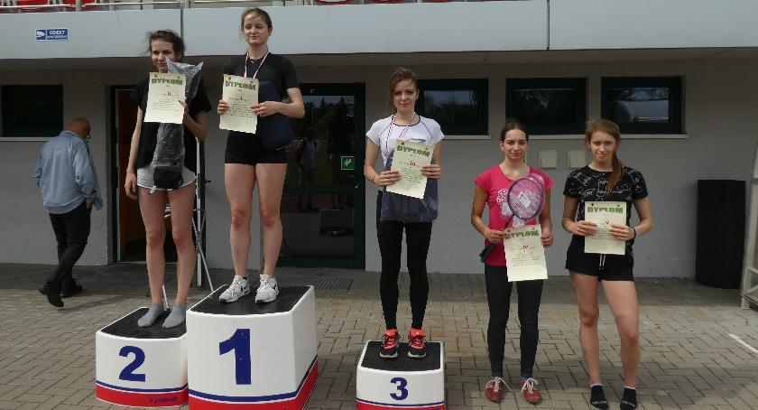 Lekkoatletyka, Licealiści rywalizowali omistrzostwo Powiatu Lekkiej Atletyce! - zdjęcie, fotografia