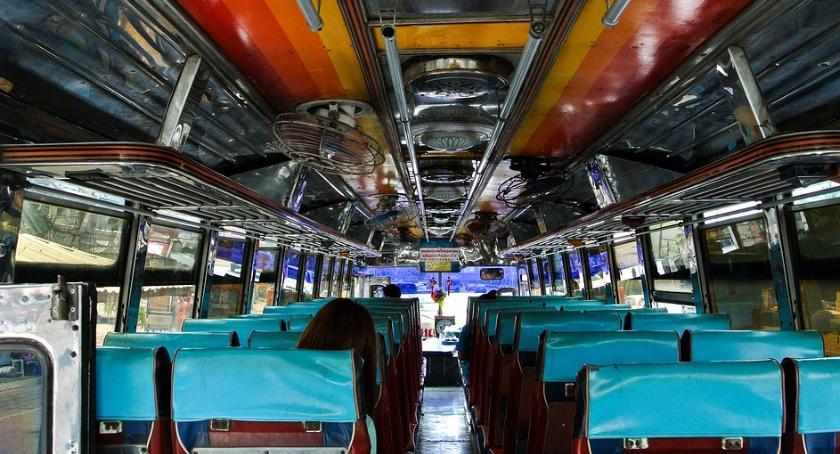 Komunikaty Policja, autobusem dzieci pojechały wycieczkę - zdjęcie, fotografia
