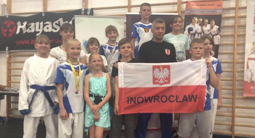 Sporty walki, Karatecy ponownie podium - zdjęcie, fotografia