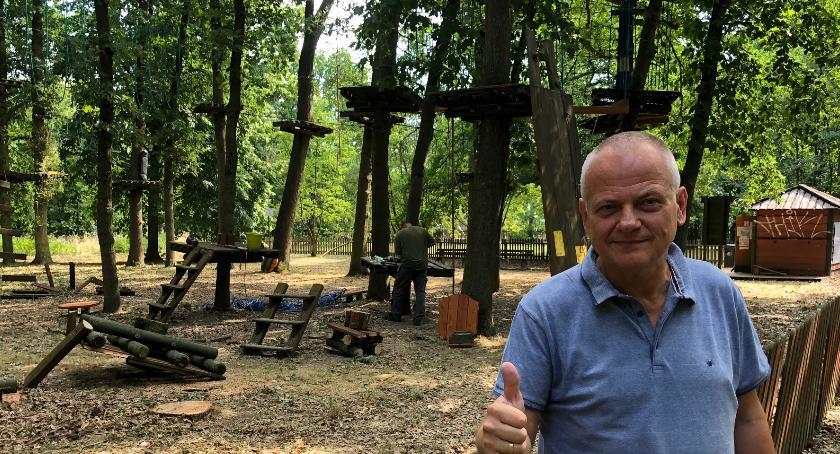 Społeczeństwo, remont parku linowego - zdjęcie, fotografia
