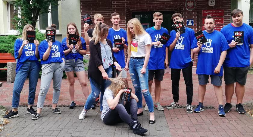 """ponadgimnazjalne, kampanii """"Przemoc boli"""" - zdjęcie, fotografia"""