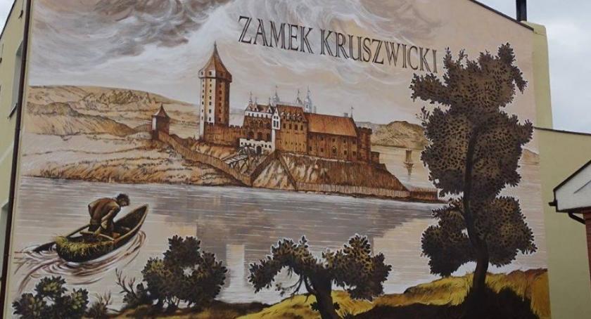 Samorząd, mural Marcina Fołdy - zdjęcie, fotografia