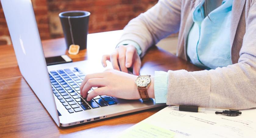Społeczeństwo, Każda gmina może otrzymać środki szkolenia informatyczne mieszkańców! - zdjęcie, fotografia
